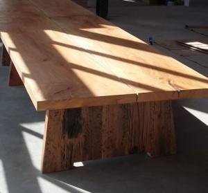 Hardus Table